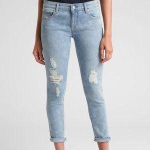 Gap - girlfriend fit distressed Denim floral jeans